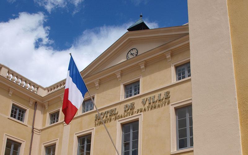 la mairie de Saint-Symphorien